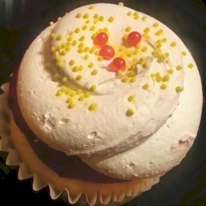 Patty's Cakes - Lemon Raspberry Cupcake